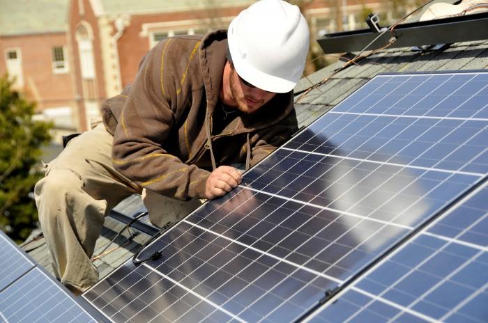 Installer soi m me ses panneaux solaires est ce possible - Installer panneau solaire soi meme ...